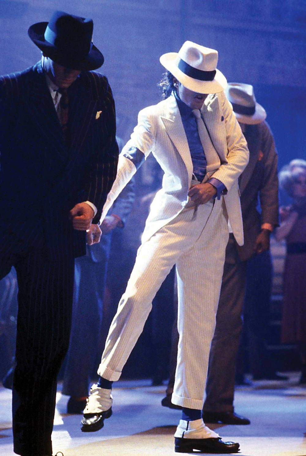 Smooth-Criminal-michael-jackson-7879113-1477-2200